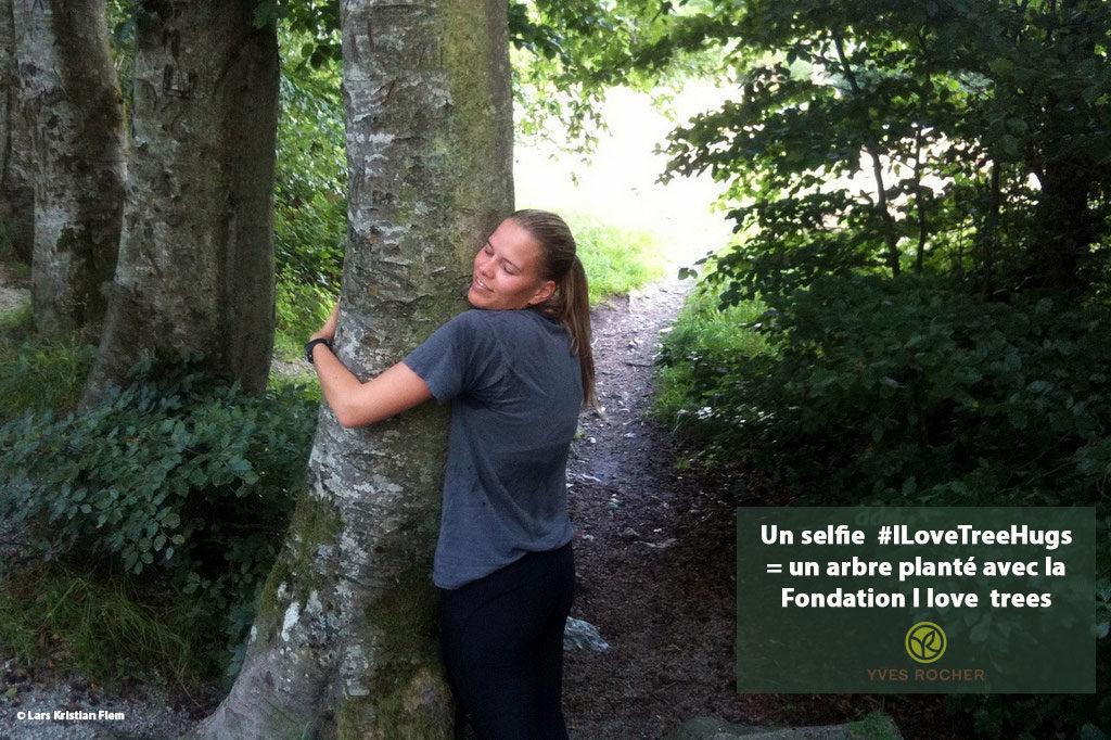 Photo 6 Tree-hug-copyright-Lars-KrIstian-Flem