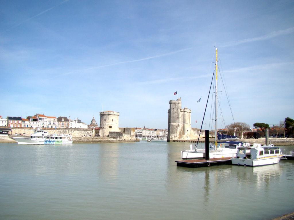 Tours-du-port-de-La-Rochelle